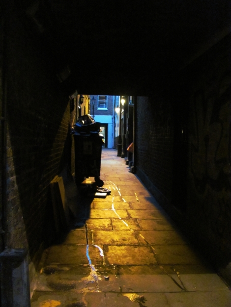 JTRT_640x_DarkYellowAlley